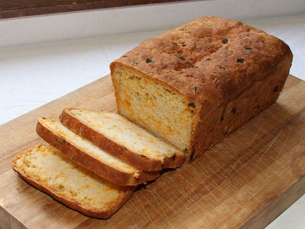Kneadlessly Simple's Cheddar and Chiles Bread | Recipe