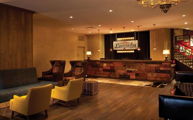 Hotel lincoln chicago travel pinterest for Nice hotels in chicago