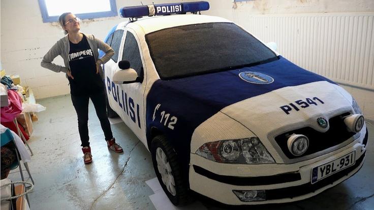 """Finnish police car that was """"yarn bombed"""" :)"""