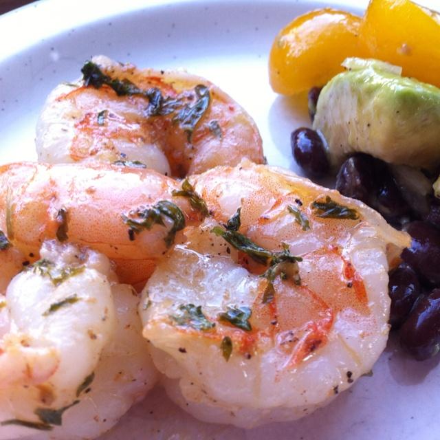 ... black bean salad- avocado, tomato, salt, pepper, olive oil, onion