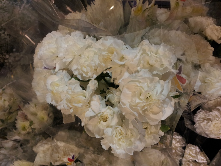 Grocery Store Wedding Flowers Saw These At The Grocery Store They Weren 39 T Labeled And I 39 M Not An