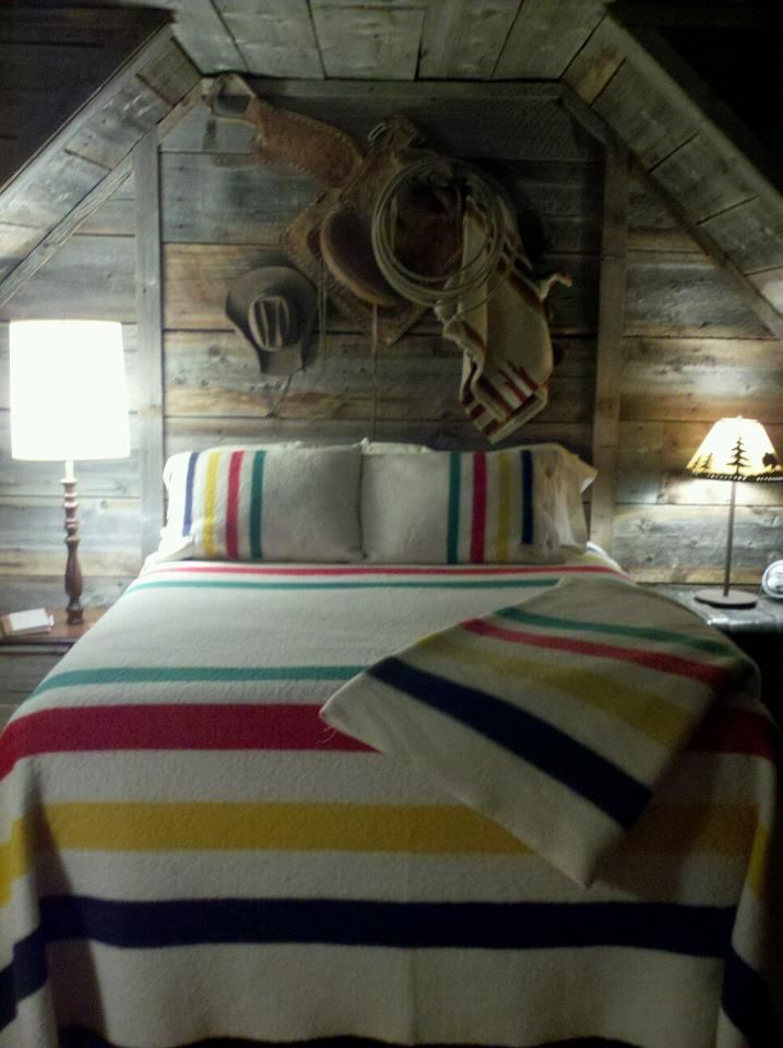 Hudson bay colors rustic cabin decora o pinterest for Cabin themed bedroom ideas