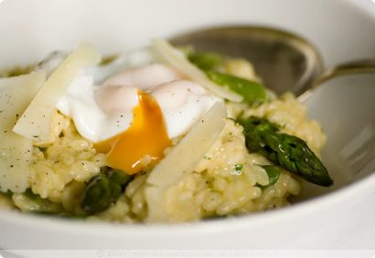 Asparagus Risotto with Poached Egg | delicious | Pinterest
