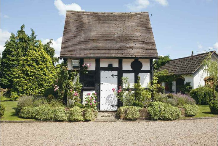 17 best photo of small tudor homes ideas architecture for Small tudor house