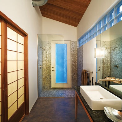 Pool house bath house ideas pinterest for Pool houses with bathrooms