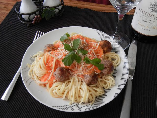 Spaghetti and Italian Sausage with Vodka Sauce by Will Cook For Smiles