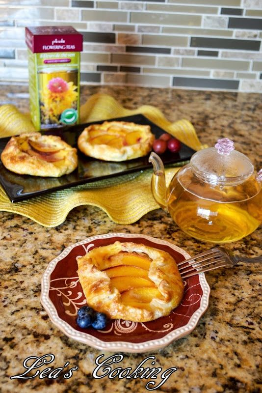 """Peach Galettes with Cream Cheese Filling   All about """"Food""""   Pinte..."""