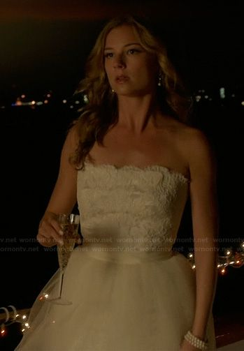 Emily thorne s wedding gown on revenge outfit details http