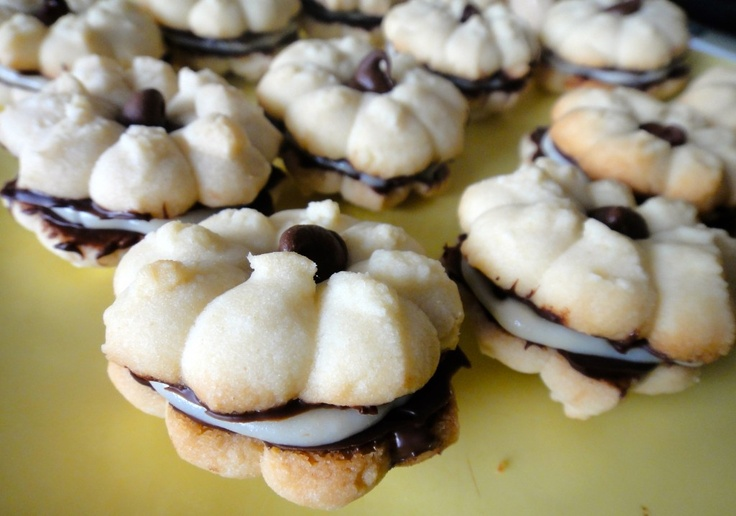 Shortbread Sandwich Cookies | Cookie Swamp | Pinterest