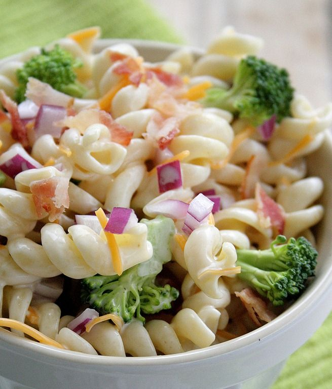 Pasta Salad with broccoli, onions, cheddar  bacon - best pasta salad I've had in ages! been looking for a new pasta salad.