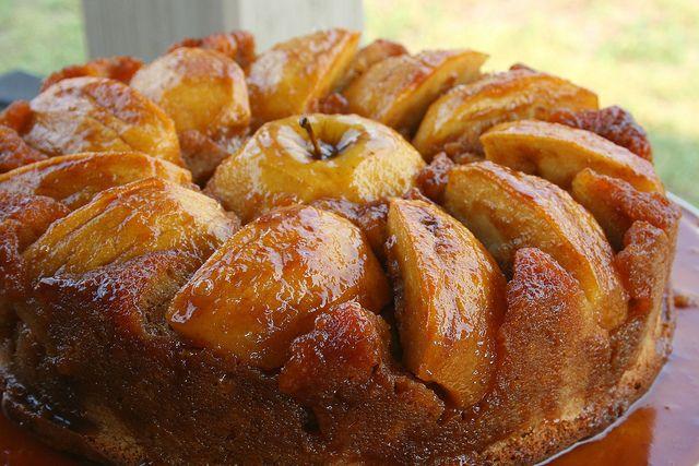 Caramel Apple Upside Down Cake | Cakes | Pinterest