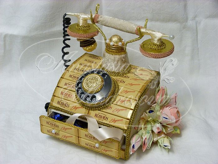 Телефон из конфет своими руками 89