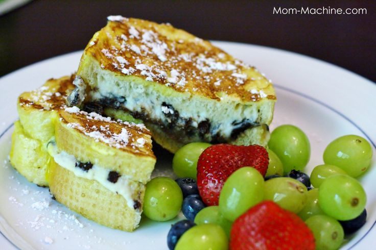 Cannoli Stuffed French Toast | cheat day | Pinterest