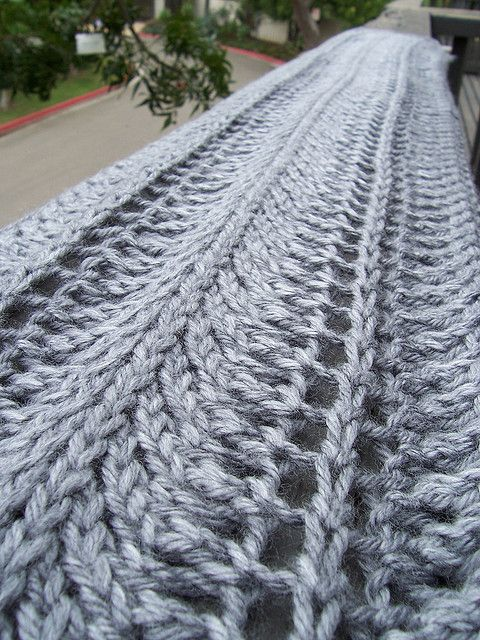 lacy waves scarf Crochet Pinterest