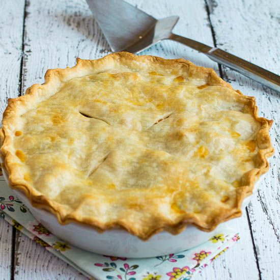 Easy Chicken Pot Pie---just made this for dinner tonight!! Amazingly ...