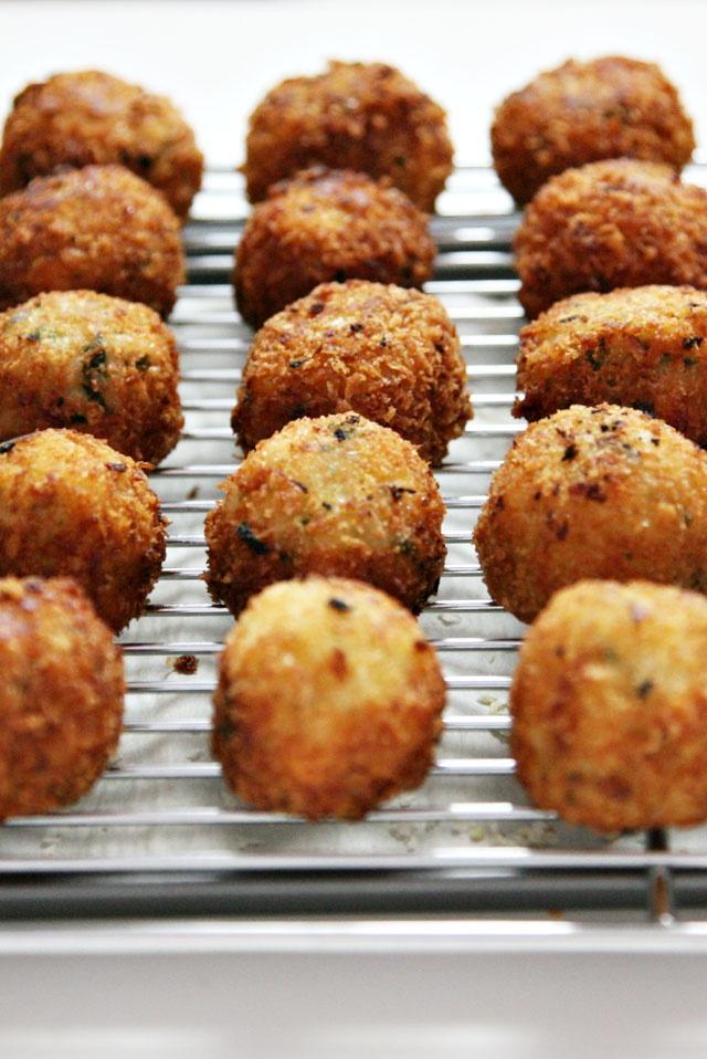 Arancini di Riso (mini risotto balls) | PRIMI PIATTI il riso | Pinter ...