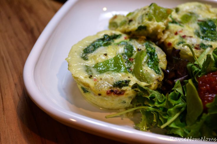 Quiche Bites via RavieNomNoms | Healthy! | Pinterest