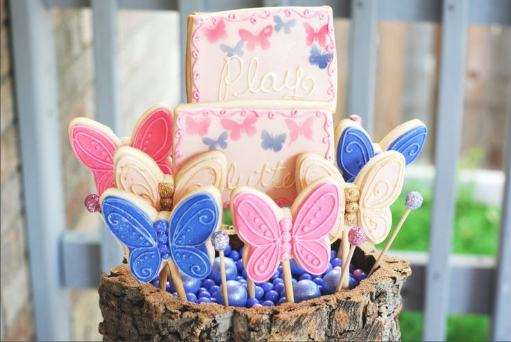 Butterfly Sugar Cookies for this Magical Woodland Butterfly Party