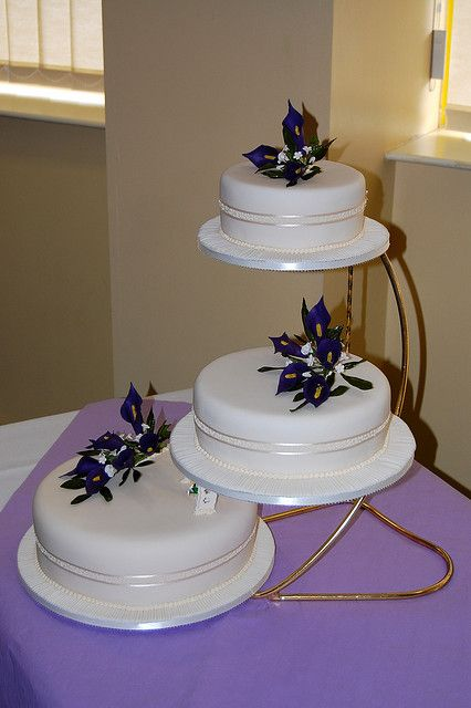 Cake Step By Step With Pictures : Step 3-layer wedding cake Weddings Cakes Galery Pinterest
