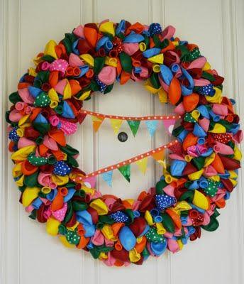 balloon wreath=love this for birthdays