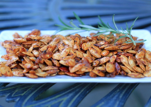 sweet and spicy pumpkin seeds | Kitchen Creations | Pinterest
