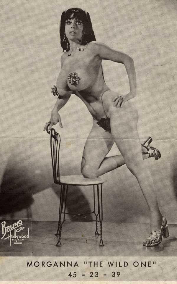 Sweaty sexy nude women