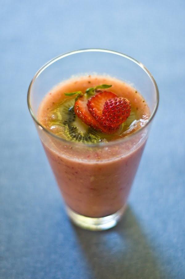 Strawberry Kiwi Smoothie Recipe — Dishmaps