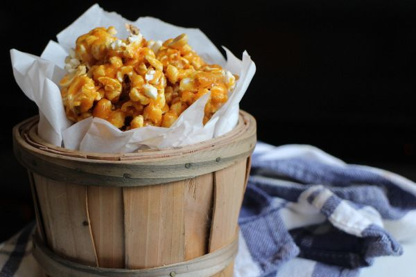 Spicy Caramel Popcorn | Appetizers and Snacks | Pinterest