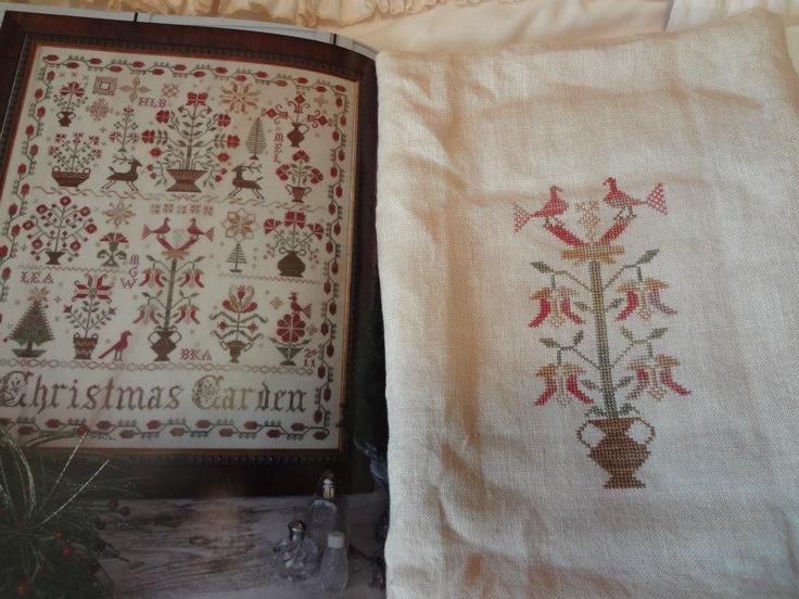 Christmas garden blackbird designs samplers antique for Blackbird designs english garden