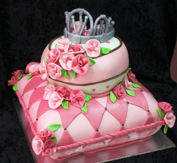 Princess Pillow Cake Images : Princess pillow cake Princess Tiara Cakes Pinterest