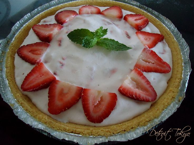 Strawberry Ice Box Pie | For the Home | Pinterest