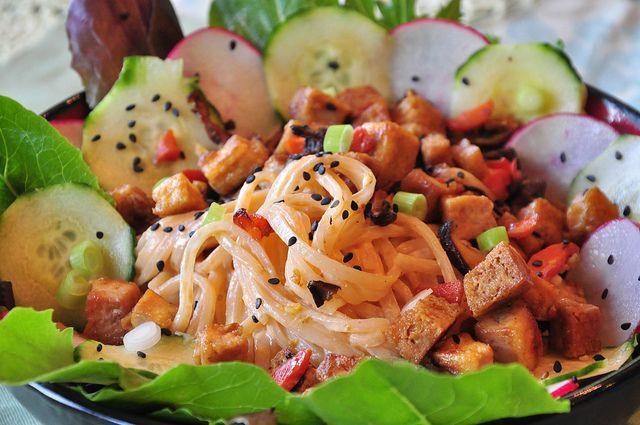 Dragon Noodle Salad with Sesame Tofu by tofu666, via Flickr