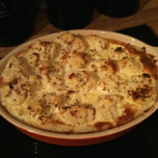 Homemade cauliflower cheese topped shepherd's pie!
