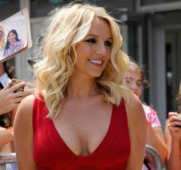 Britney Spears does TV interview blitz and her Twister Dance ad