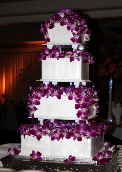 wedding cake with purple orchids supah1 desserts g teau biscui