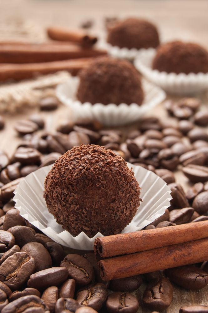 Easy Homemade Chocolate Truffles Recipe | Foodie Trips | Pinterest