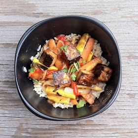 always with salt: brown rice bowl with baked tofu