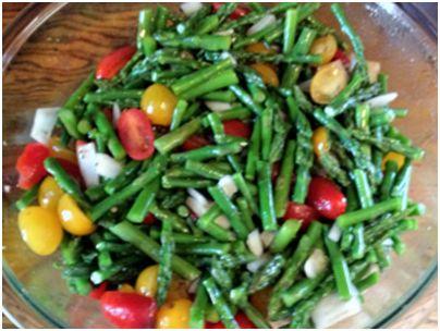 Asparagus and tomato salad | FOOD | Pinterest