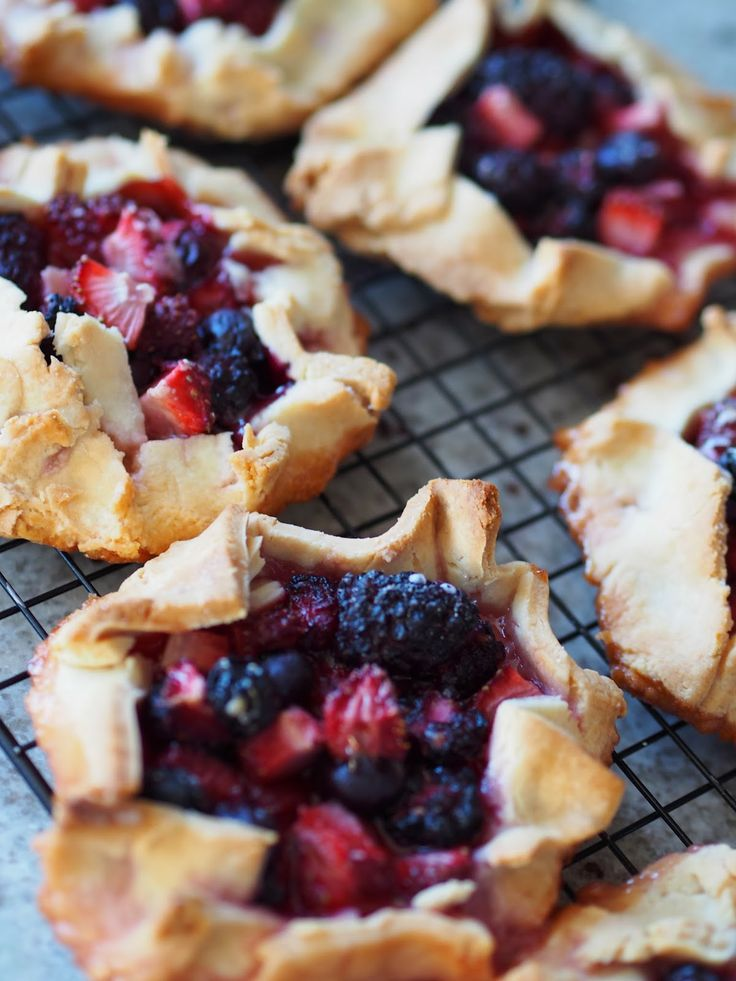 ... galettes mixed berries galettes recipes dishmaps mixed berry mini