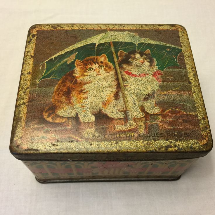 Old fashioned biscuit tins 6