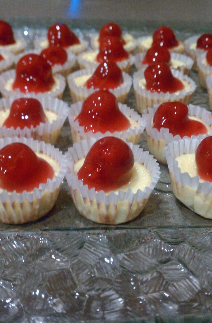 Mini cherry cheesecake recipe | Holiday food | Pinterest