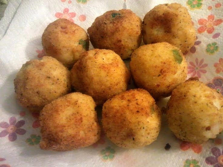 "Cheesy Arancini Rice Balls! """" @allthecooks #recipe #rice"