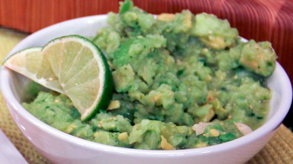 cups basic salsa verde mexican tomatillo salsa baked tortilla chips ...