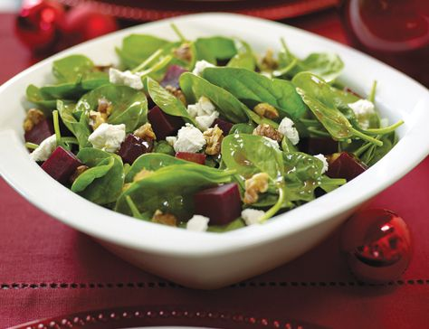 Spinach salad with peppered goat cheese, beets and walnuts - My fave ...