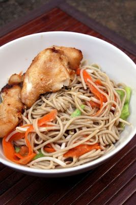 ... su Soba Makaronų Salotomis/ Teriyaki Chicken with Soba Noodle Salad