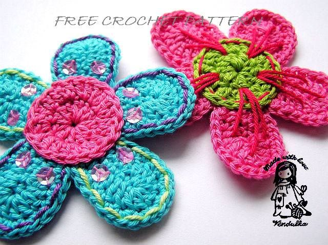 Crochet flower - free pattern at ravelry Crochet flowers, loom ...