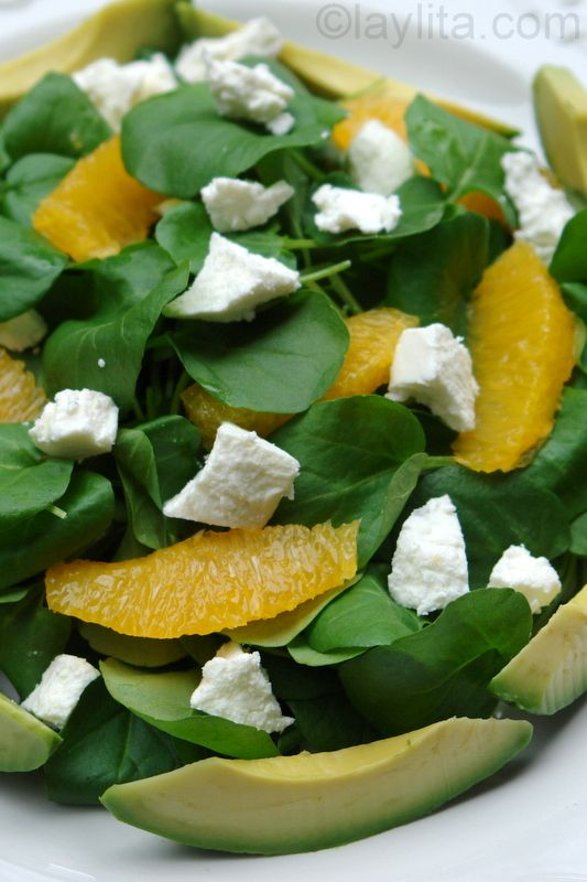 Recipe for watercress salad with avocado, orange and goat cheese