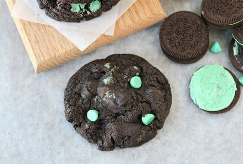 f0o0od: chocolate mint oreo cookies | Delicious Food | Pinterest