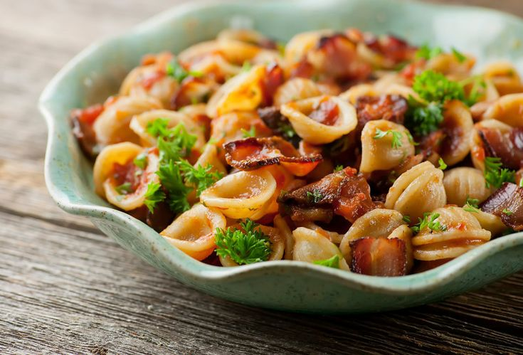 Tomato Bacon Sauce - Yumm, my Dad always made the best tomato sauce ...