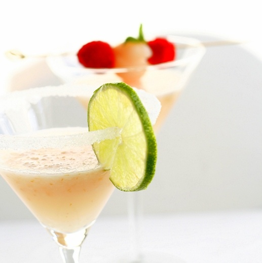 Lychee and raspberry mojito | Drinks | Pinterest